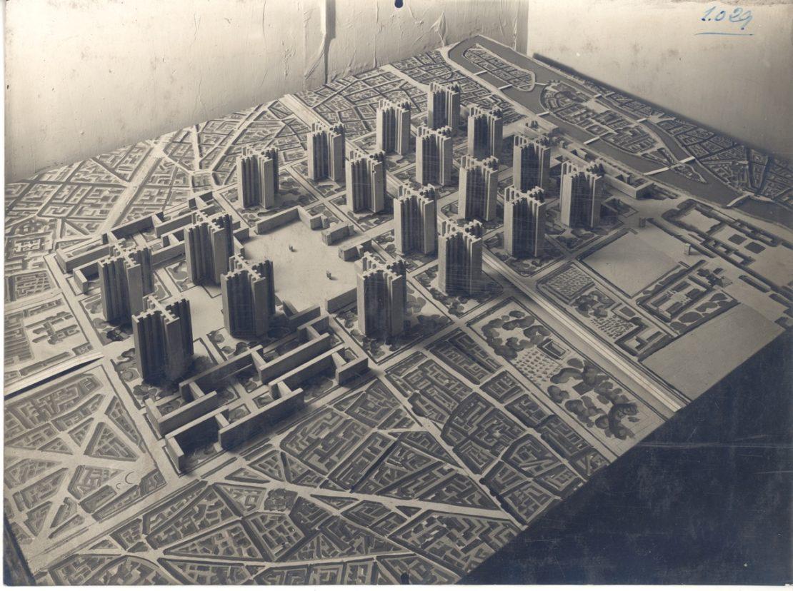 Architectural model of Le Corbusier's Plan Voisin for Paris